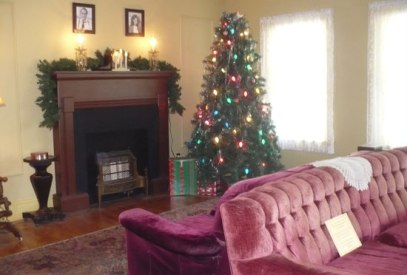 a-christmas-story-living-ro
